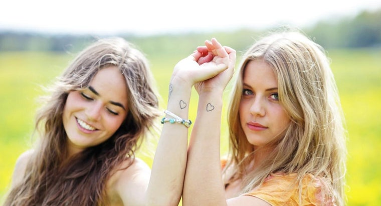 What Are Some Symbols for Friendship Tattoos?