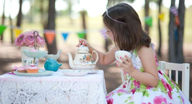 How Do You Throw a Tea Party for a Child's Birthday?