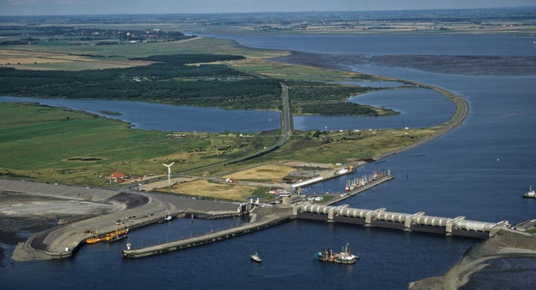 How Does a Tidal Barrage Work?