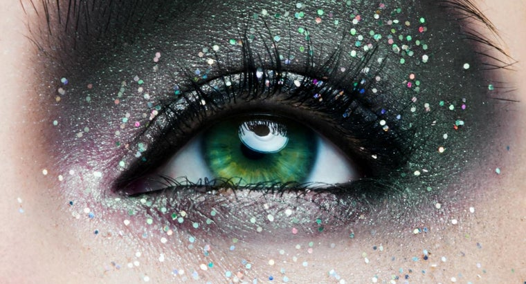 What Are Some Tips for Amazing Eye Makeup?