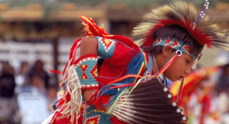 What Traditions Are Practiced by the Sioux Indians?