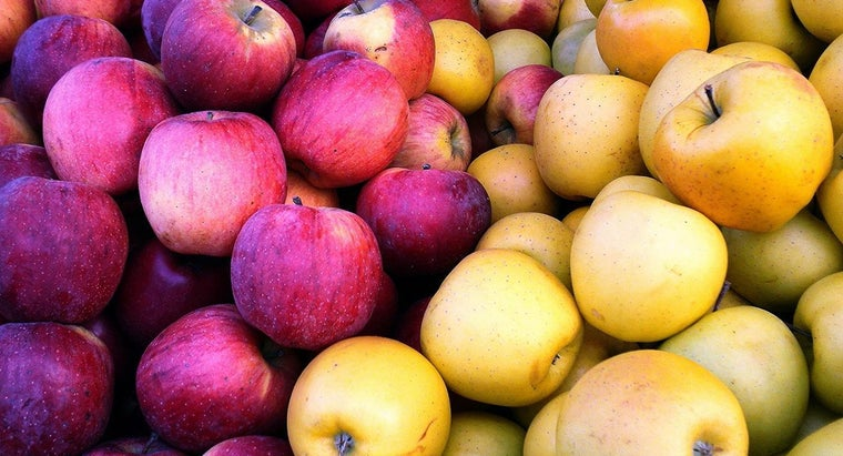 What Type of Apples Are Used in Rachael Ray's Baked Apples?
