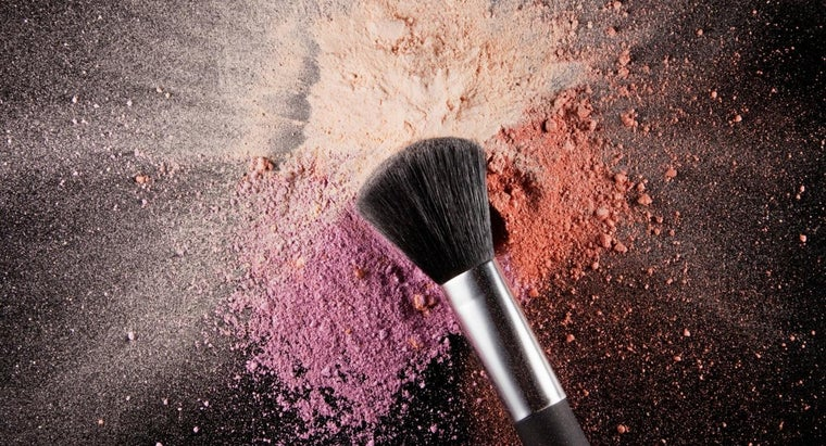 How Do You Use a Foundation Brush?