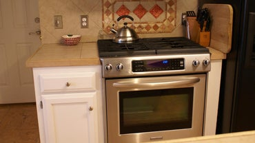 How Do You Use a Gas Oven?