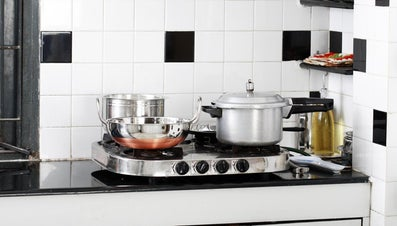 How Do You Use a Pressure Cooker?