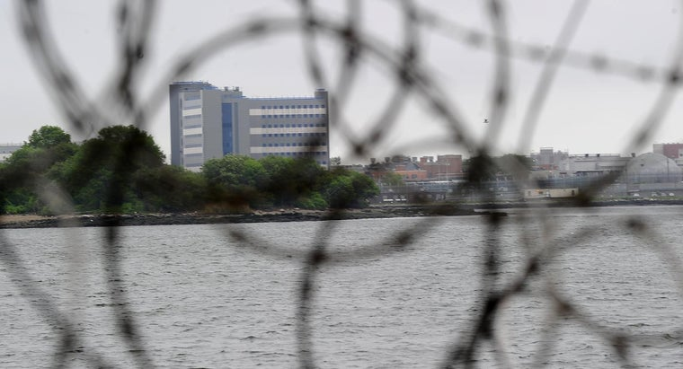 What Are the Visiting Hours at Rikers Island?