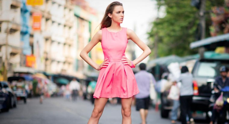 What Is the Best Way to Determine a Woman's Dress Size?