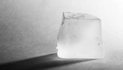 What Is the Best Way to Keep an Ice Cube From Melting?