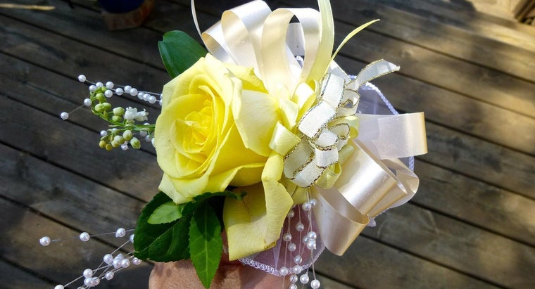 What Is the Way to Save a Corsage?