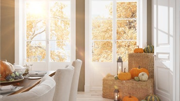 What Are Some Ways to Decorate for Thanksgiving?