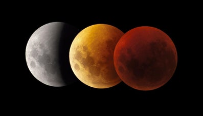 What Causes a Red Moon?