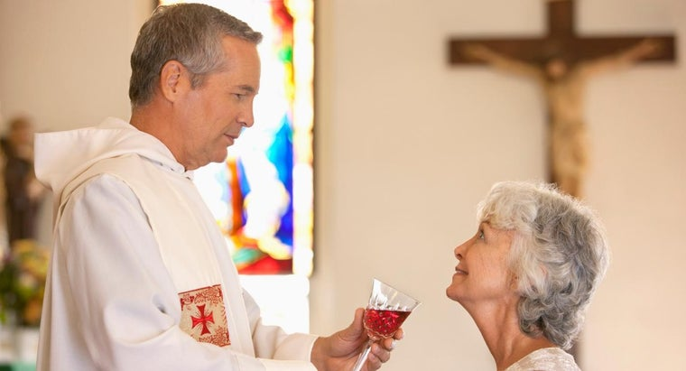 What Happens in the Holy Communion Service?