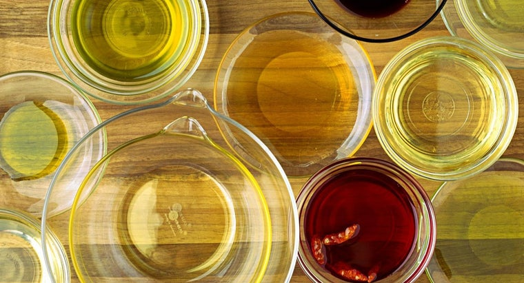 What Are Some Effective Substitutes for White Wine Vinegar?