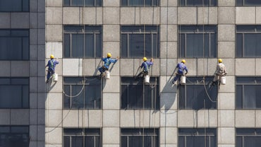 What Is the Best Way to Clean Windows?