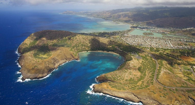 Which State Is Due North of Hawaii?