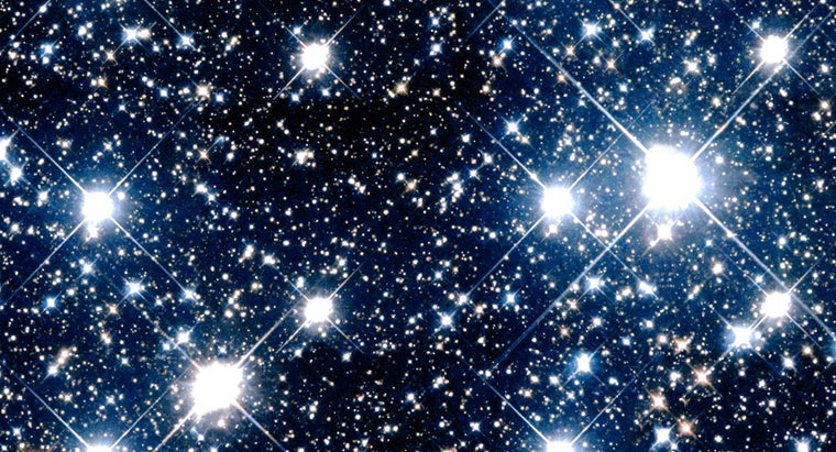 Why Is It That Stars Twinkle but Planets Do Not?