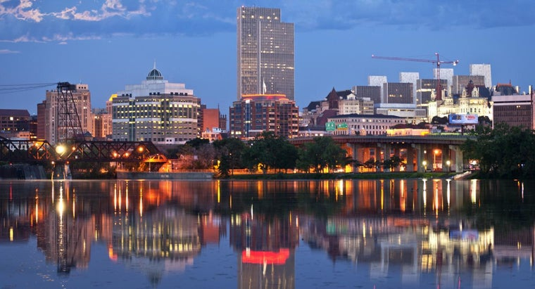 Why Was Albany Chosen As New York's Capital?