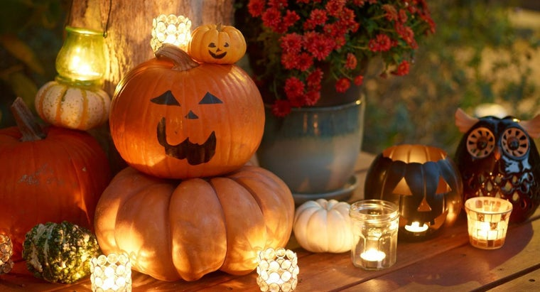 What Are Some Words That Describe Halloween?