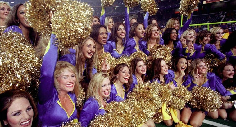 What Is the Yearly Salary of NFL Cheerleaders?