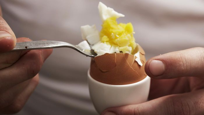 What Are Some Good Ways to Peel a Boiled Egg?