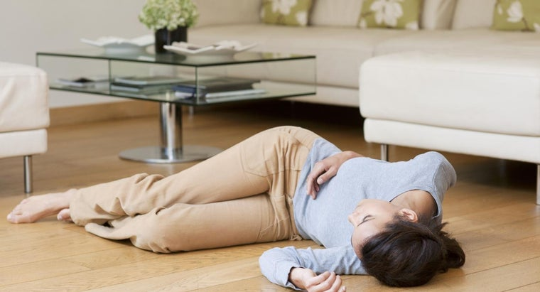 What Are the Causes and Symptoms of Fainting?