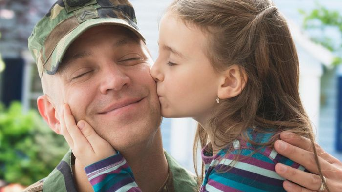 What Are the Benefits for Soldiers to Have Penpals Back Home?