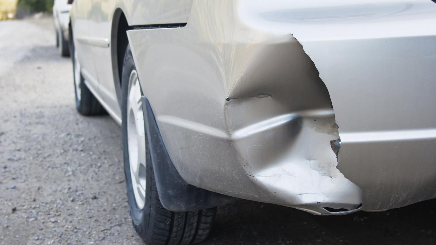 How Do You Compare Costs for Replacing a Rear Bumper?