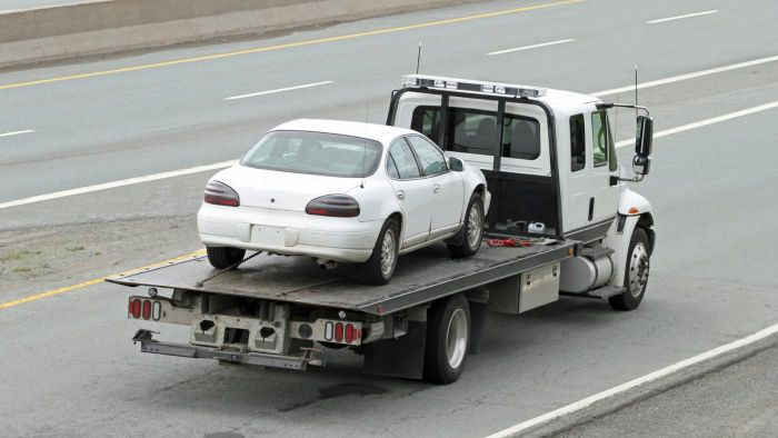 How Do You Find the Vehicle Towing Laws of a State?
