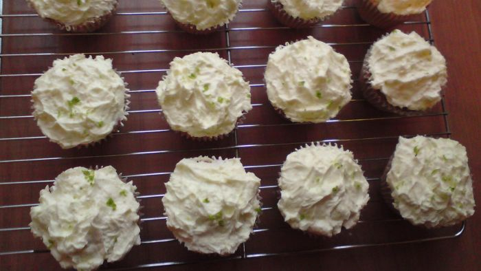 What are some good recipes for buttercream icing?