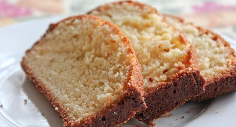What Is the Recipe for 7 Up Pound Cake?