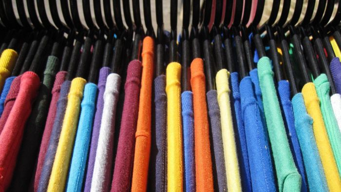 What Is a Reliable Color Chart for Clothes?