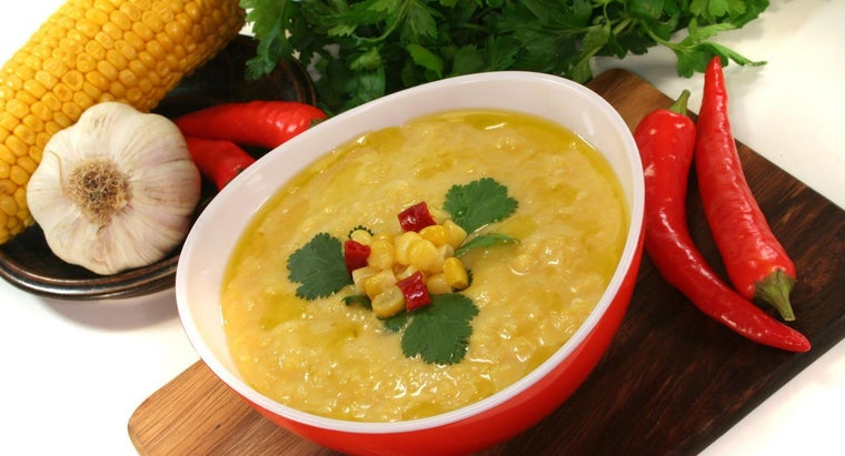 What Is an Easy Creamy Corn Chowder Recipe?