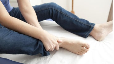 What Are the Causes of Burning Pain in the Heel?
