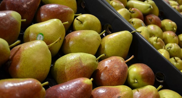 What Are Some Good Recipes for Cooking Pears?