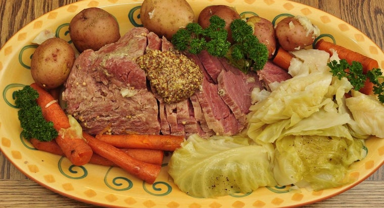 What's the Best Way to Cook Corned Beef in the Oven?