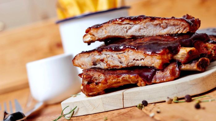 What Is a Good Recipe for Oven-Baked Ribs?