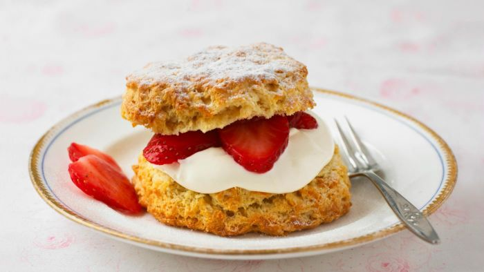 What is an easy shortcake recipe?