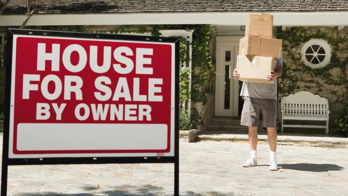 What Are the Costs Incurred When Selling a House?