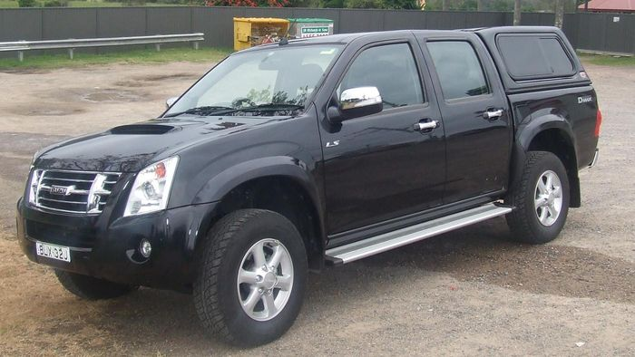 Where Can Someone Find a List of Isuzu Dealerships?
