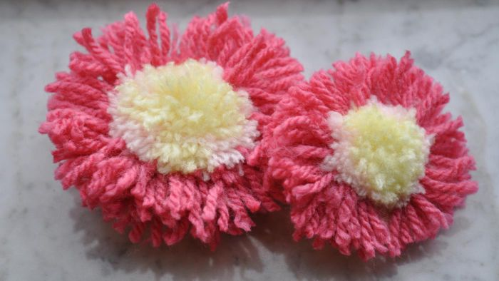 How Do You Make a Yarn Pom Pom?