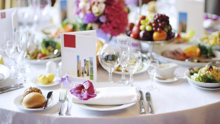 What Is the Proper Way to Set a Table for Formal Dining Occasions?