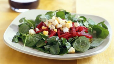 How Do You Make Spinach Salad?