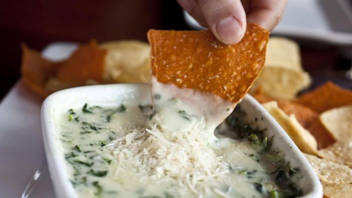 What Are Some Warm Spinach Dip Recipes?