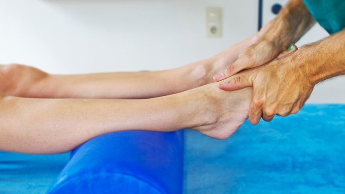 What Is the Treatment for a Broken Tibia?
