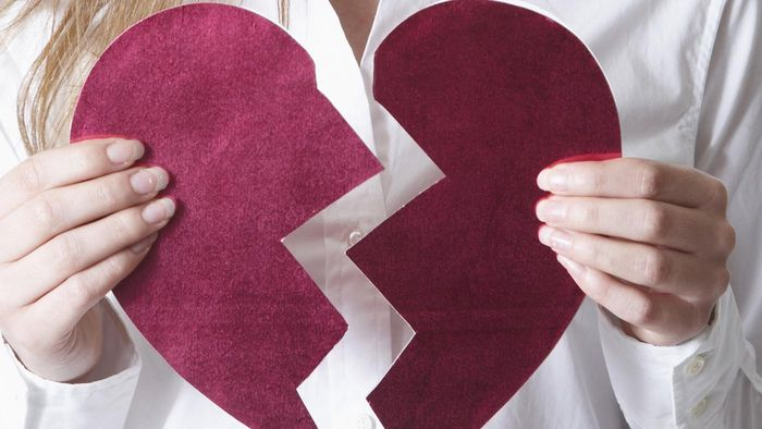 What are the symptoms of late-stage heart failure?