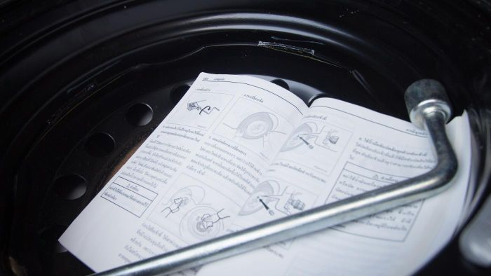 Who has free online vehicle owner manuals?