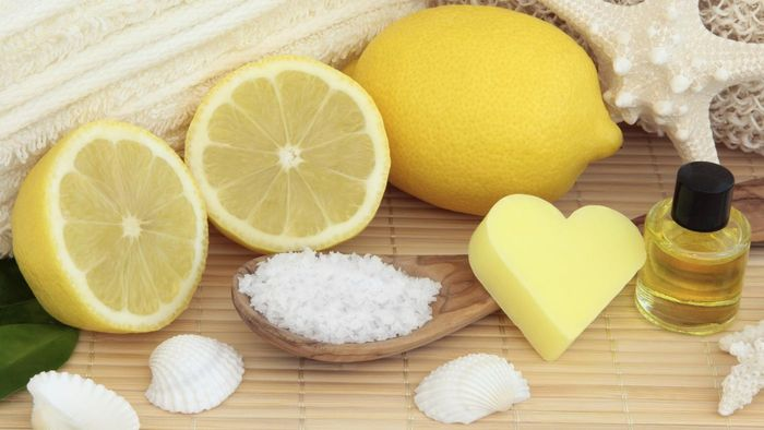 How Do You Make a Lemon and Sugar Facial Scrub?