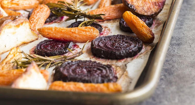 At What Temperature Does One Roast Beets in the Oven?