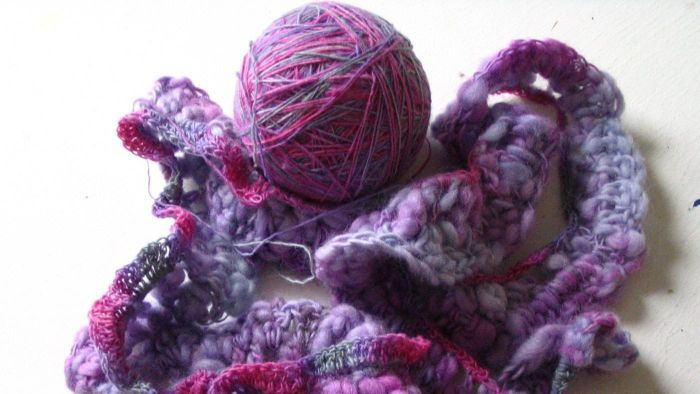 Where can you find an easy pattern to make a ruffled scarf?