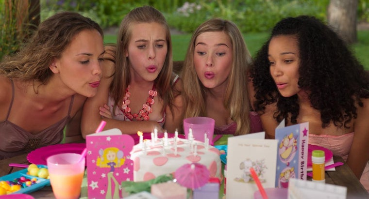 What Are Some Summer Birthday Party Ideas for a Teenager?